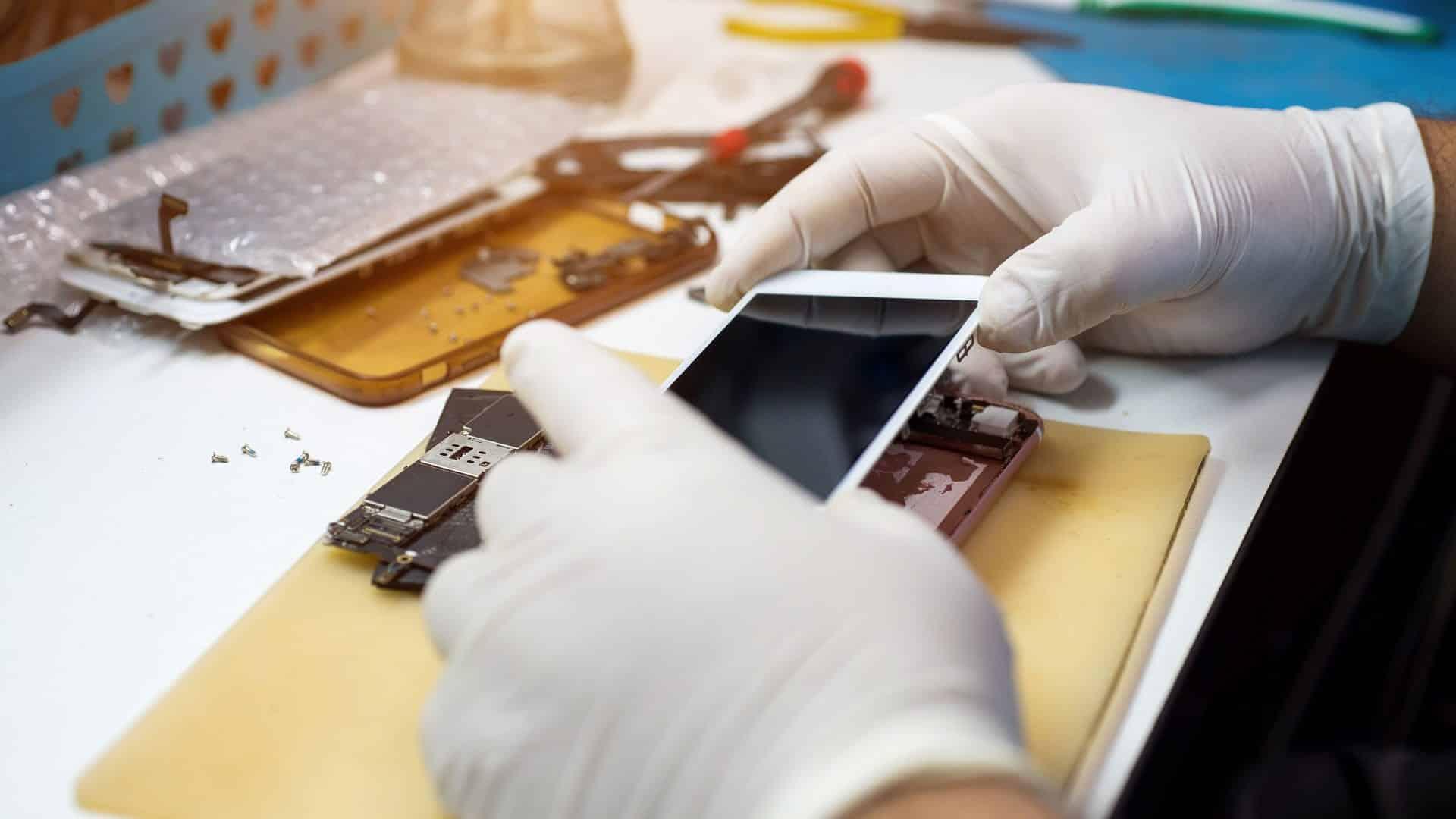 apple service center dubai for fixing iphone