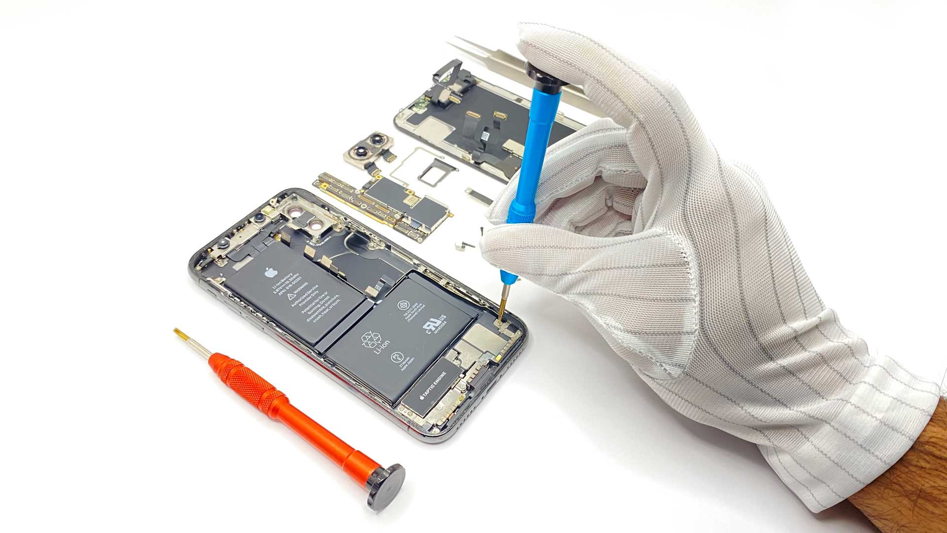 apple service center in dubai for fixing iphone