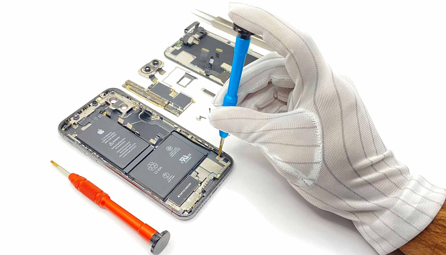 fixing iphone x in celmetro